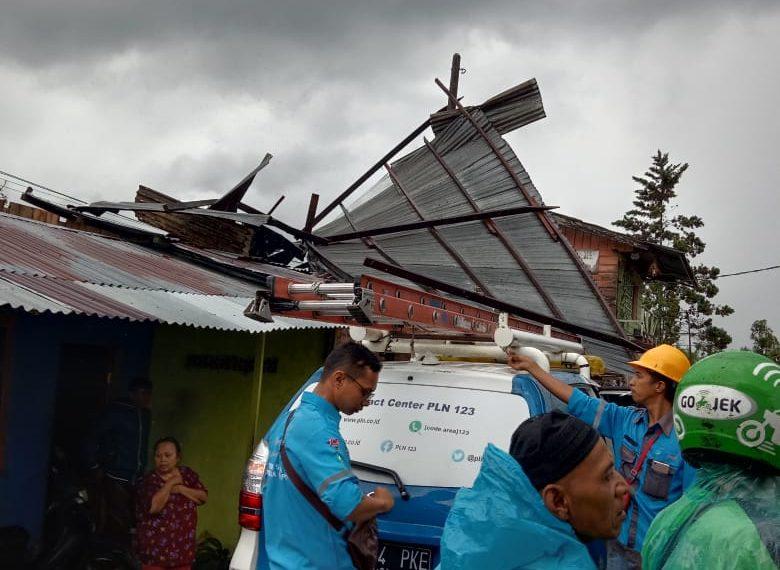 Angin Putiang Beliung Landa Banuhampu, Lima Unit Rumah Rusak