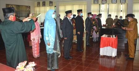 Bupati Agam Lantik 16 Orang Pejabat Fungsional Yang Sebelum Menjabat di Struktural