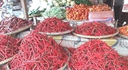 Harga Sejumlah Bahan Pokok Di Pasar Tradisional Agam H-6 Idul Fitri Mulai Meroket