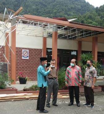 Sejumlah Atap Rumah Warga dan Sekolah Rusak Akibat Hujan Deras dan Angin Kencang di Tanjung Raya