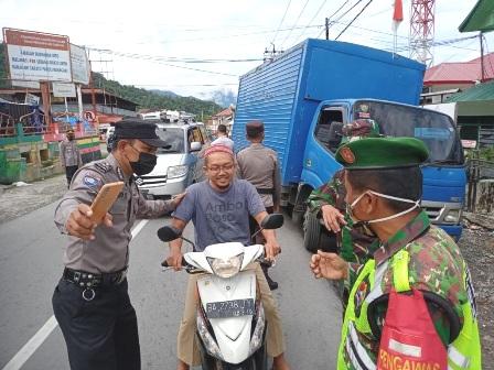 Tim Gabungan Jaring 25 Orang Pelanggar Prokes Di Simpang Maninjau