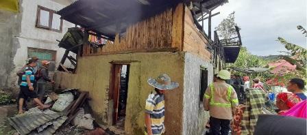 Satu Unit Rumah Warga Di Sungai Landai IV Koto Habis Dilahab Sigulambai